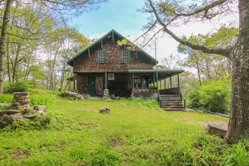 The 1909 Cottage - Boothbay Harbor, ME Vacation Rental