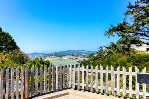 Hill Villa - Newport, OR Vacation Rental