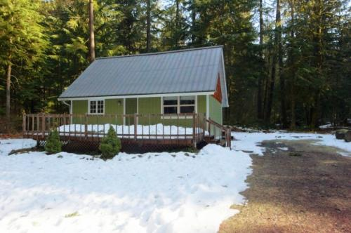 Mount Hood Cabin-NEW HOT TUB - Rhododendron Vacation Rental