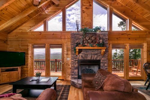 Sevierville Cabin Rentals, Vacation Rentals | Vacasa