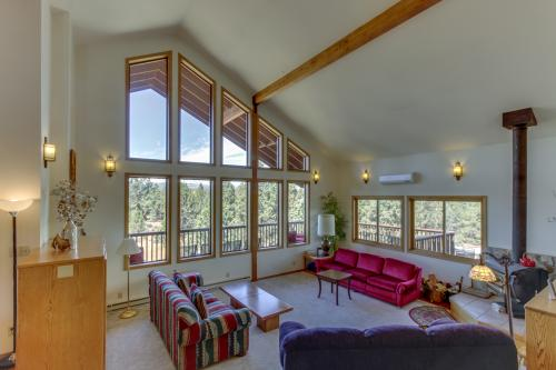 Cascade Lodge  - Bend, OR Vacation Rental