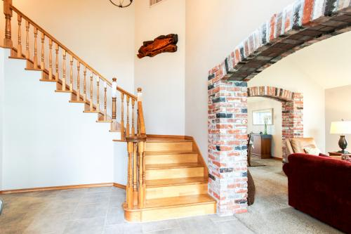 Brookings vacation rentals vacation homes vacasa for Cabin rentals brookings oregon