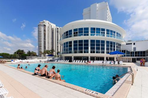 Castle Beach: Blue-Passion Flower Condo - Miami Beach, FL Vacation Rental