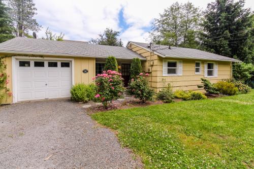Apple Tree Cottage -  Vacation Rental - Photo 1
