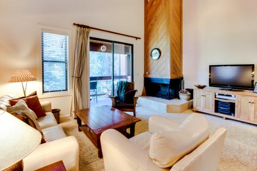 "Aspen Grove ""Ski Back"" Condos - Truckee, CA Vacation Rental"