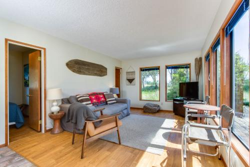 The Surf Shack -  Vacation Rental - Photo 1