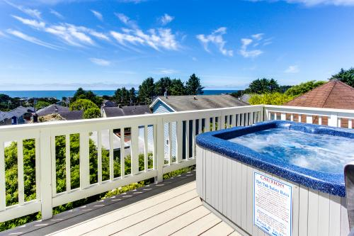 Vista House - Lincoln City Vacation Rental