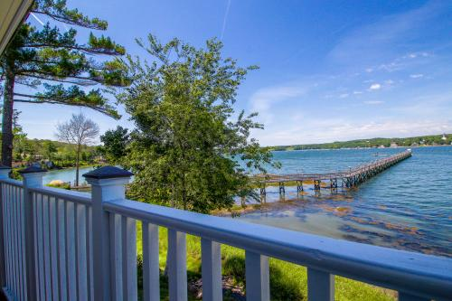Edgecomb Elegance - Edgecomb, ME Vacation Rental