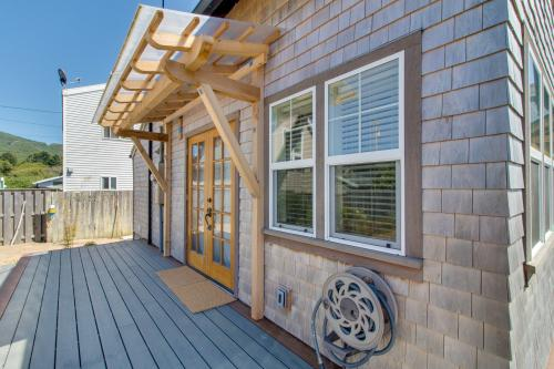 Rockaway Beach Bungalow -  Vacation Rental - Photo 1