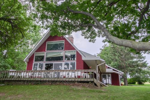 Southern Point Cottage at Inselheim Road - South Hero, VT Vacation Rental