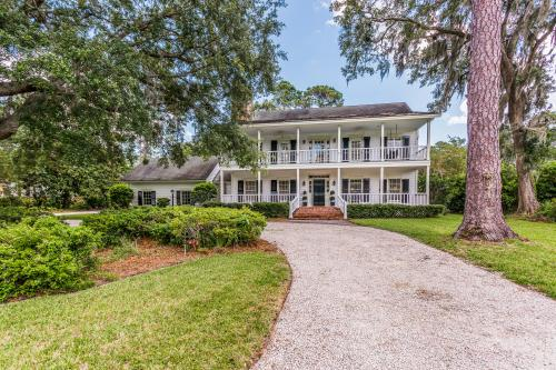 St. Simons Retreat - St. Simons Island, GA Vacation Rental