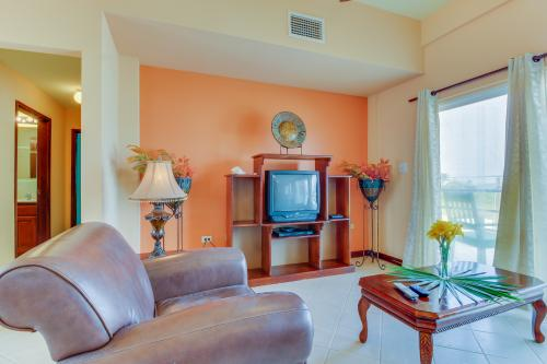 Suite C203 @ Mara Laguna -  Vacation Rental - Photo 1