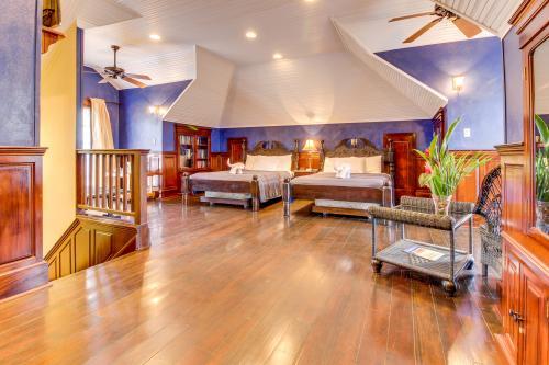 Crow's Nest Suite @ Mahogany Hall  - San Ignacio, Belize Vacation Rental