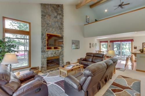 Redwood Lane 08 | Discover Sunriver - Sunriver, OR Vacation Rental