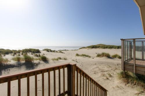 Beachside Bliss - Waldport, OR Vacation Rental