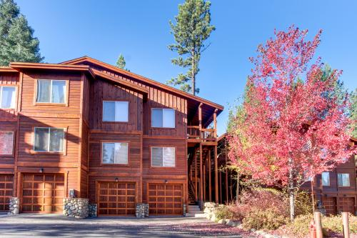 Pine Condo - Truckee Vacation Rental