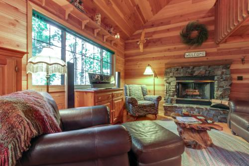 Enchanted Cabin in the Woods  - Sagle, ID Vacation Rental