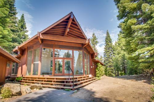 The SnowBird -  Vacation Rental - Photo 1