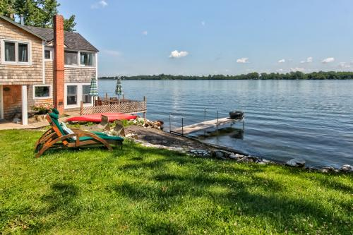 The Camp at Waters Edge - Alburgh, VT Vacation Rental