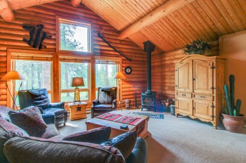 Cozy Mountain Home -  Vacation Rental - Photo 1