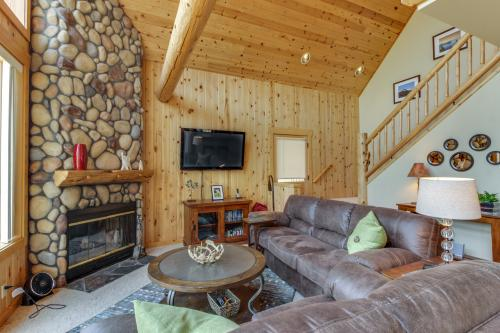 Eagle Crest Chalet On the Greens -  Vacation Rental - Photo 1