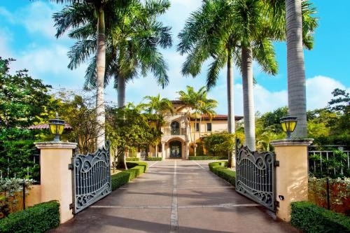 Gorgeous Italian Villa - Palmetto Bay, FL Vacation Rental