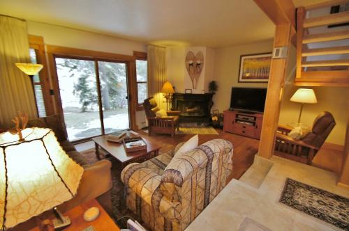 Ptarmigan Townhome #9 - West Vail Vacation Rental