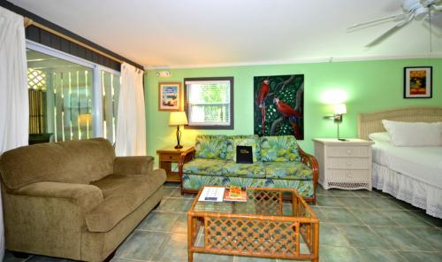 Papa's Hideaway #3 - For Whom the Bell Tolls - Key West, FL Vacation Rental