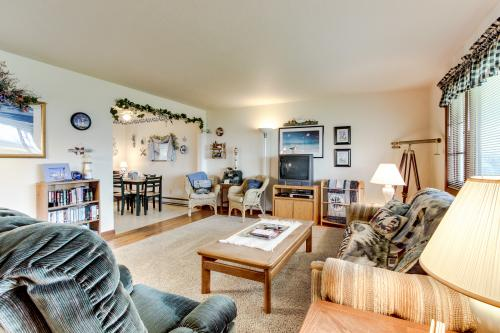 Pacific Surf Condo - Newport, OR Vacation Rental