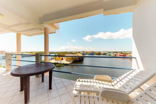 Suite F302 @ Mara Laguna -  Vacation Rental - Photo 1