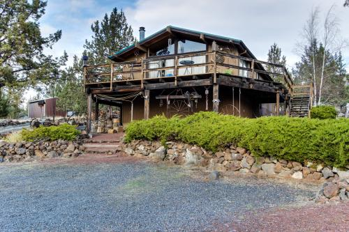 Round Butte Cabin Near Cove Palisades - Madras, OR Vacation Rental