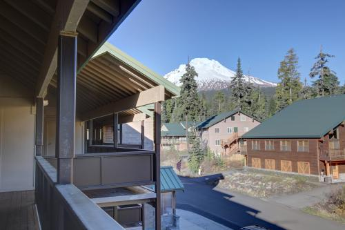 Golden Poles Unit 302 - Government Camp Vacation Rental
