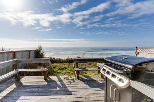 Surfside Cottage - South Beach, OR Vacation Rental