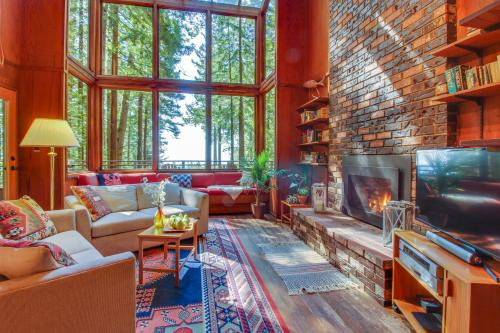 The Redwood House -  Vacation Rental - Photo 1