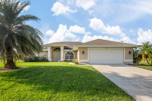 Cape Coral Pool Home -  Vacation Rental - Photo 1