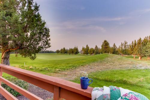 Eagle Crest's Tenth Green Villa - Eagle Crest, OR Vacation Rental
