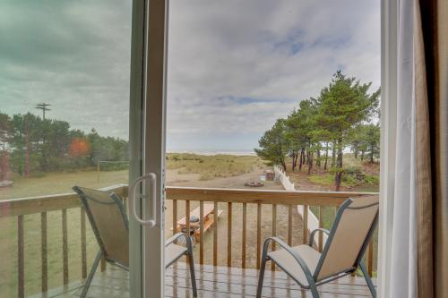 Ocean Rogue Inn (Units 1 & 8) - Rockaway Beach, OR Vacation Rental