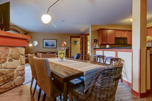 Eagle Springs East 305: House Sparrow Suite -  Vacation Rental - Photo 1
