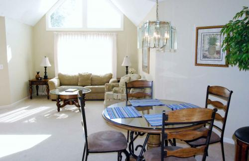 Colonnade Club 170 -  Vacation Rental - Photo 1