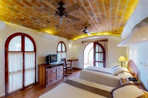 Pelican Eyes: Santa Rosa Guest Room -  Vacation Rental - Photo 1