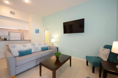 The Frontier Suite -  Vacation Rental - Photo 1