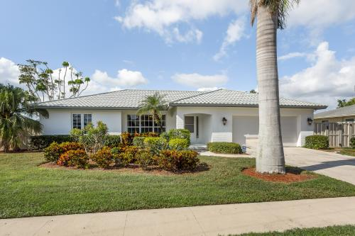 Palm Breeze Bliss -  Vacation Rental - Photo 1