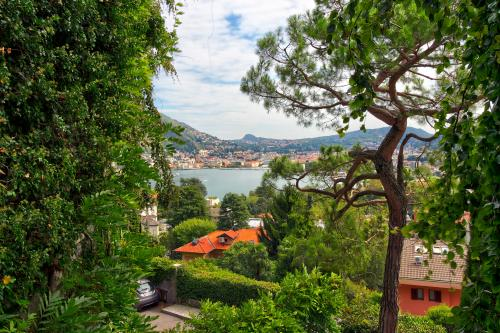 Villa Tobia Lake Como View Apartment - Como, Italy Vacation Rental