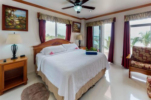 Suite 4 @ Miramar - Placencia, Belize Vacation Rental