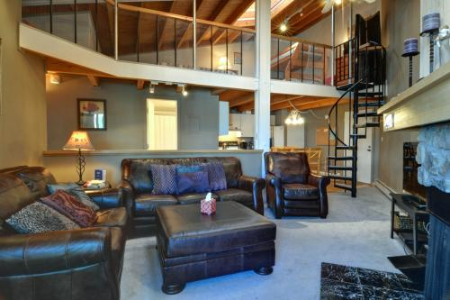 Treehouse 303 -  Vacation Rental - Photo 1