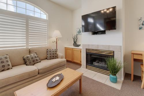 Dunes Condo - Oceano , CA Vacation Rental