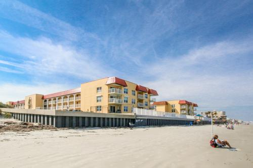 Point East on The Beach  -  Vacation Rental - Photo 1