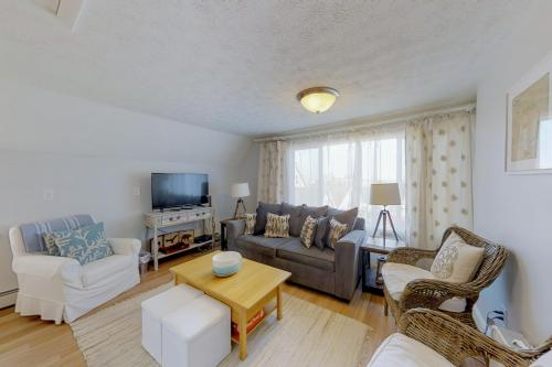 Lazy Summer Lodge - Old Orchard Beach, ME Vacation Rental