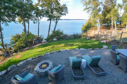 Orcas Beach Cottage - Eastsound, WA Vacation Rental