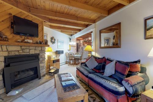 Treehouse 208 - Silverthorne, CO Vacation Rental